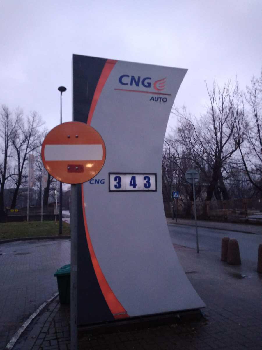 Podwyżki ceny CNG na stacjach PGNiG
